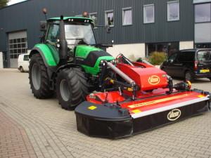 Deutz-Fahr Agrotron 6150.4 met diverse werktuigen afgeleverd