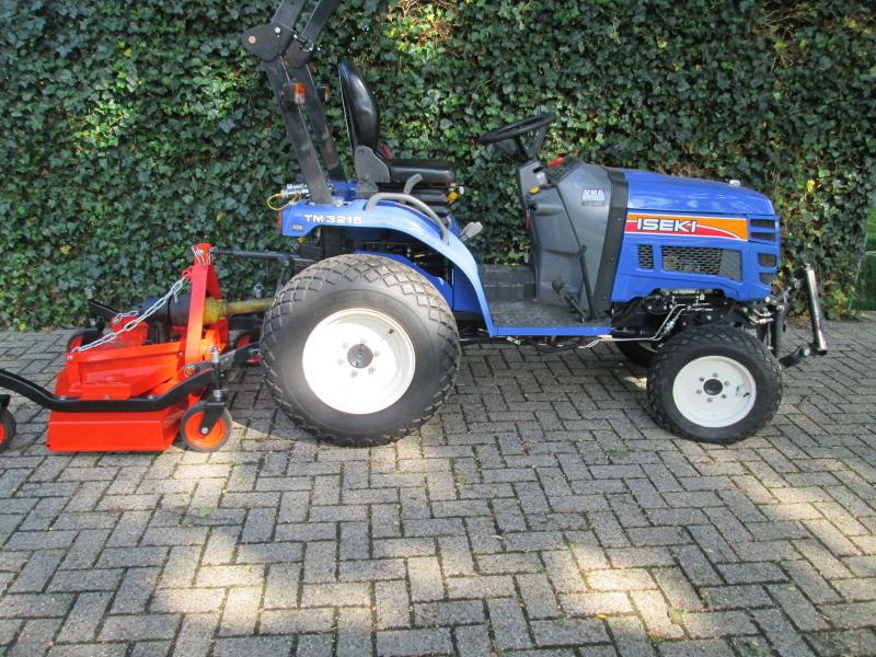 Verrassend Iseki mini tractor met diverse werktuigen afgeleverd - Klein VJ-69